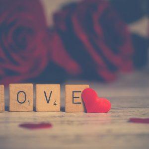 Comment être romantique sans dépenser trop?